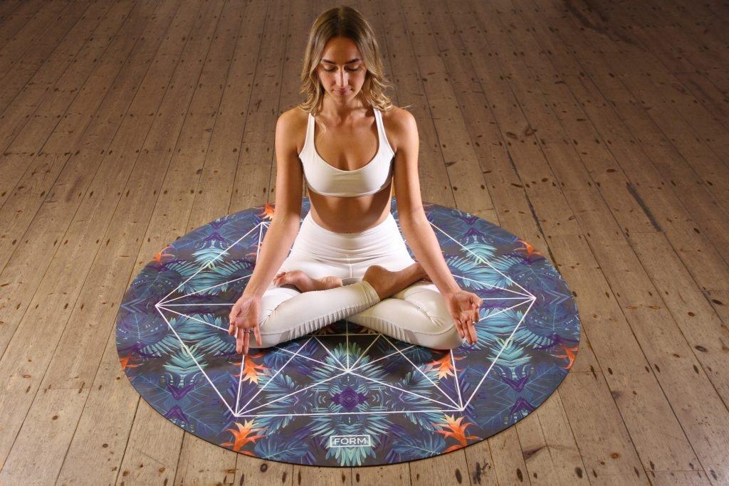form t888K8RWyDQ unsplash 1024x683 - Améliorer la qualité de son bien-être avec le yoga nidra