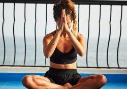 se muscler le ventre avec le yoga