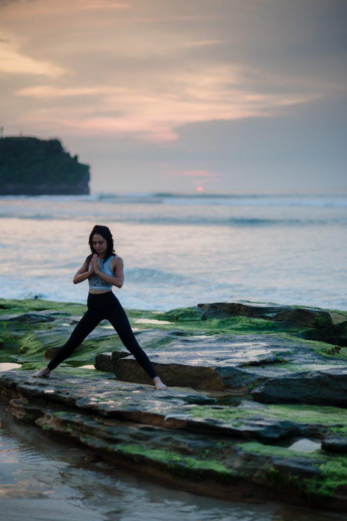 bady qb chrXKN7J8ic unsplash 683x1024 - Le kriya yoga ou comment nettoyer son corps et son esprit